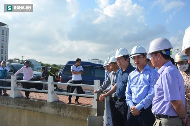 Ông Nguyễn Xuân Anh, Bí thư Thành ủy Đà Nẵng. trong lần kiểm tra kênh Phú Lộc, nơi xả nước thải ra biển