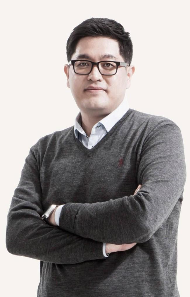 Trước khi làm việc cho Samsung, Hong Yeo là một nhà thiết kế của McLaren.