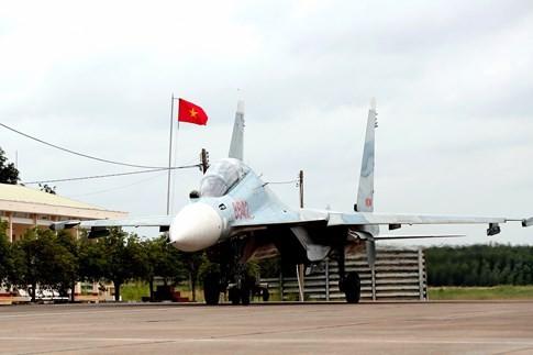 Làm chủ 'Hổ mang chúa' SU-30MK2 - ảnh 9