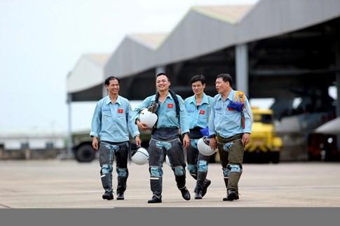 Làm chủ 'Hổ mang chúa' SU-30MK2 - ảnh 14