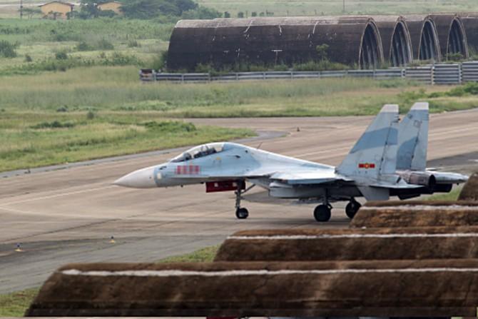 Làm chủ 'Hổ mang chúa' SU-30MK2 - ảnh 3