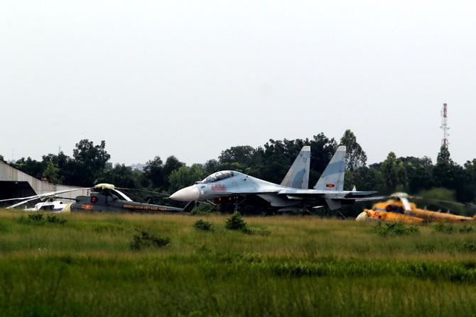 Làm chủ 'Hổ mang chúa' SU-30MK2 - ảnh 8
