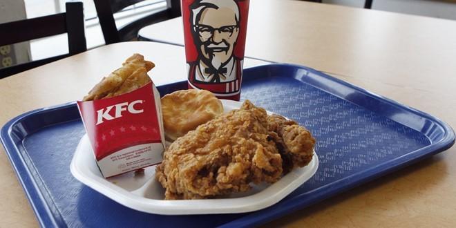 Harland David Sanders, người sáng lập ra chuỗi cửa hàng KFC, đã từ thiện toàn bộ tài sản sau khi qua đời. Ảnh: AP