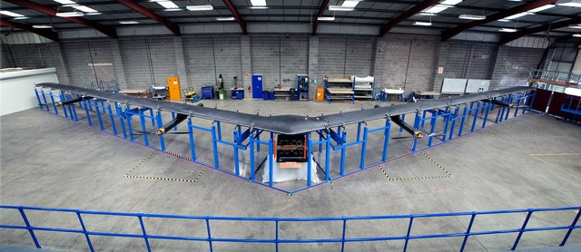 Drone Aquila của Facebook.