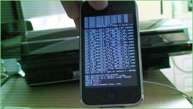 Khai thác chiếm quyền từ xa trên iPhone.