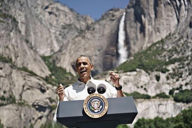 Ông Obama đã dành những tháng cuối cùng của mình để giữ gìn các thành quả của mình trong cuộc chiến chống biến đổi khí hậu và bảo vệ môi trường. Ảnh: Reuters.