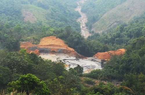 Vỡ đập chứa bùn thải: Cá chết đồng loạt, hàng ngàn hộ dân lo lắng ảnh 2