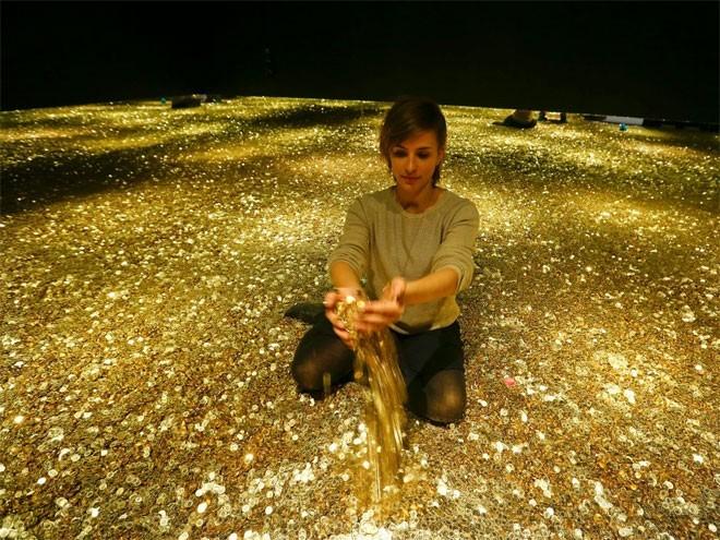 <b>7. Thụy Sỹ</b></div><div><i>Mức dự trữ vàng chính thức: 1.040 tấn</div><div>Tỷ lệ vàng trong dự trữ ngoại hối: 6,2%</i></div><div>Vào tháng 11/2014, cử tri Thụy Sỹ từ chối tiến hành một cuộc trưng cầu dân ý mà kết quả có thể buộc Ngân hàng Trung ương nước này (SNB) tăng dự trữ vàng thêm 20%.</div><div>
