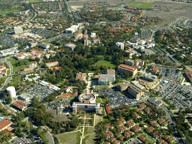 Trong 2 thập kỷ qua, ông đã xây dựng nhiều công trình tại khu vực này, bao gồm Anaheim, Laguna Beach, Newport Beach, và cả thành phố Irvine.