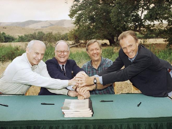 Năm 1977, Bren mua lại Irvine Company cùng với 5 cổ đông khác với giá 337,4 triệu USD, theo đó, ông sở hữu 1/3 công ty. Vào năm 1983, ông mua lại cổ phần từ các cổ đông khác, nâng tỷ lệ sở hữu lên 86%. Tới năm 1996, Bren trở thành chủ sở hữu duy nhất của công ty. </div>  <div>