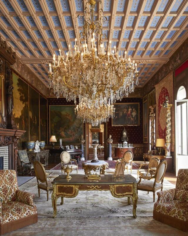 Một phòng khách tại Villa Les Cèdres