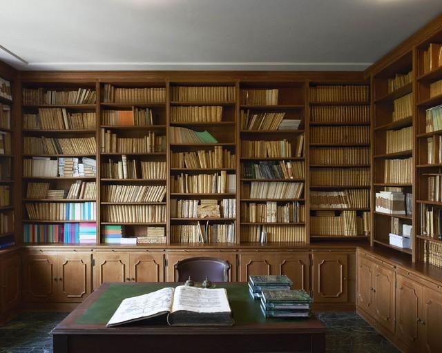 Thư viện với 3.000 cuốn sách
