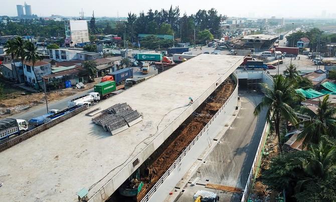 Hầm chui giải tỏa ùn tắc cửa ngõ phía Đông TP HCM thông xe
