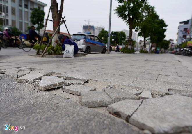 Thanh tra chỉ hàng loạt sai phạm trong việc lát đá vỉa hè Hà Nội