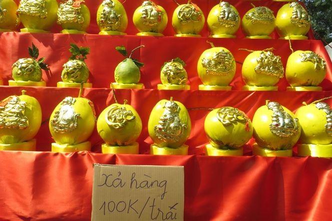 Lo bị 'ép rác', hoa tết xả hàng sớm ở Sài Gòn - ảnh 17