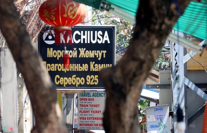 """Xuất hiện """"phố Tàu, nước Nga"""" giữa Nha Trang, cấp quản lý có vấn đề"""