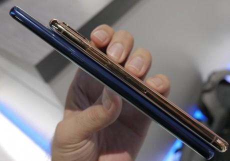 So sanh Note 8 va mo hinh iPhone 8 - Anh 5