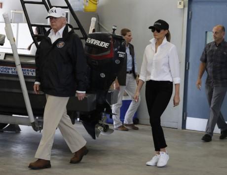 Tong thong Trump thi sat khu vuc chiu hau qua sieu bao Harvey - Anh 5