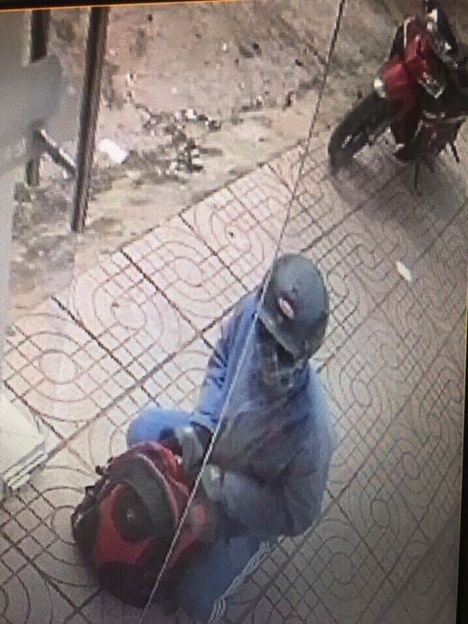 Phát hiện chiếc xe nghi của tên cướp ngân hàng ở Đồng Nai - ảnh 1