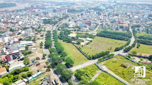 Toàn cảnh khu đất vừa có quyết định siết nợ của VAMC do Hoàn Cầu làm chủ đầu tư. Phần đất này có hướng nhìn về Khu chế xuất Tân Thuận
