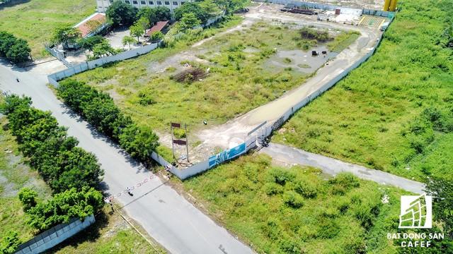 Nhiều lô đất sau gần 10 năm có quyết định giao cho chủ đầu tư đến nay vẫn còn bỏ hoang