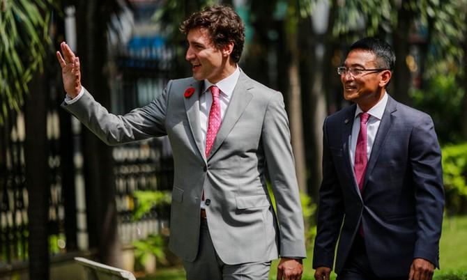 Thủ tướng Canada thăm Sở Giao dịch chứng khoán TP HCM