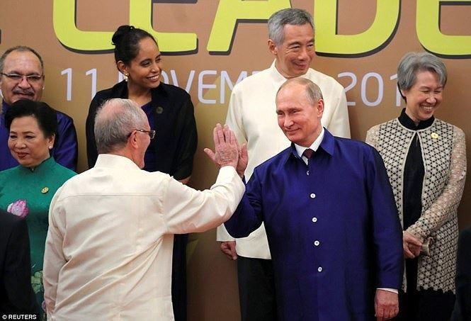 Khoảnh khắc đáng nhớ của các nguyên thủ thế giới bên lề APEC 2017 - ảnh 14