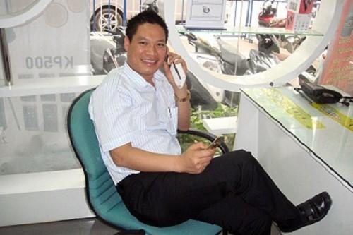 dai-gia-bo-60-ty-mua-so-dien-thoai-sieu-dep-5_oira Đại gia bỏ 60 tỷ mua số điện thoại siêu đẹp chín số 6