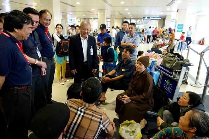 Trên trăm ngàn hành khách/ngày từ sân bay Tân Sơn Nhất về quê ăn Tết - ảnh 2