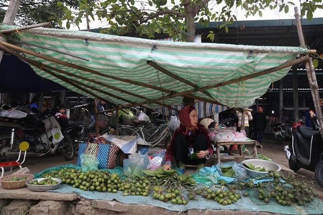 Nét quê trong phiên chợ ngoại thành Hà Nội ngày 30 Tết - ảnh 3