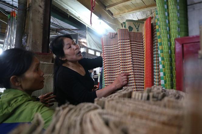 Nét quê trong phiên chợ ngoại thành Hà Nội ngày 30 Tết - ảnh 7
