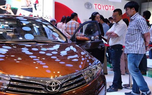 Việt Nam, sản xuất, ô tô, nội địa hóa, xe nội, nhập khẩu, tiêu thụ đặc biệt, thuế, đầu tư, giá xe, cạnh tranh, Toyota, Việt-Nam, sản-xuất, ô-tô, nội-địa-hóa, xe-nội, nhập-khẩu, tiêu-thụ-đặc-biệt, thuế, đầu-tư, giá-xe, cạnh-tranh