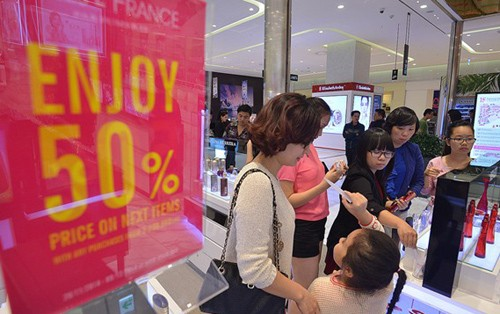Bộ Công Thương, Việt Nam ,CBRE VN,trung tâm thương mại,Kantar Worldpanel ,mua sắm trực tuyến,Thương mại điện tử Việt Nam 2014