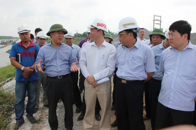 Thứ trưởng Nguyễn Văn Công kiểm tra hiện trường xâ