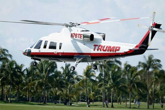 Năm 2015, có tin Trump chi 750.000 USD để nâng cấp chiếc trực thăng Sikorskyy S-76 của ông, bao gôm dát vàng nội thất.