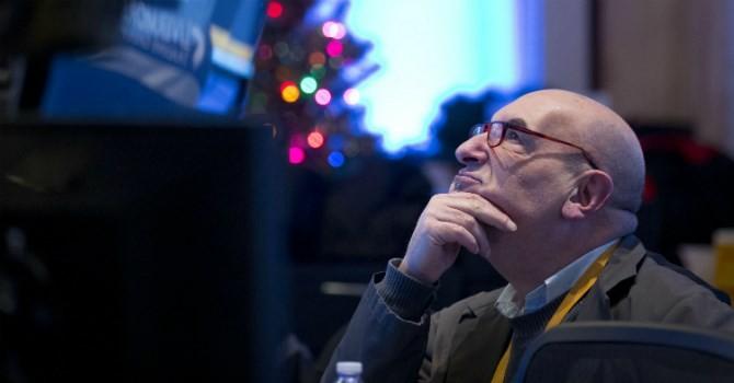 """Nhà đầu tư mất niềm tin, chứng khoán Mỹ """"bốc hơi"""" 1,5%"""