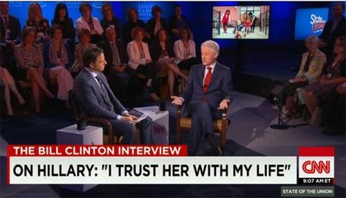 Cựu Tổng thống Mỹ Bill Clinton trong buổi phỏng vấn với đài CNN