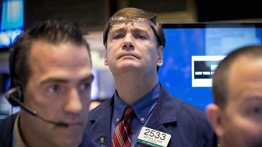Fed để ngỏ khả năng tăng lãi suất, Phố Wall leo dốc