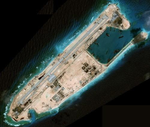 Mỹ không dám áp sát đảo Trung Quốc xây trái phép ở Biển Đông? - ảnh 2
