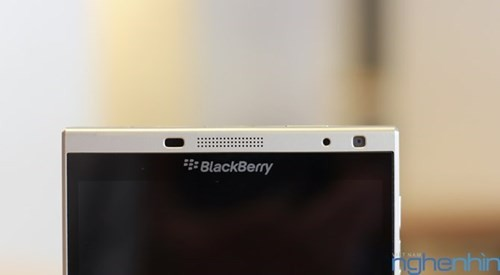 Cận cảnh điện thoại BlackBerry Passport vỏ bạc sắp về Việt Nam - ảnh 6