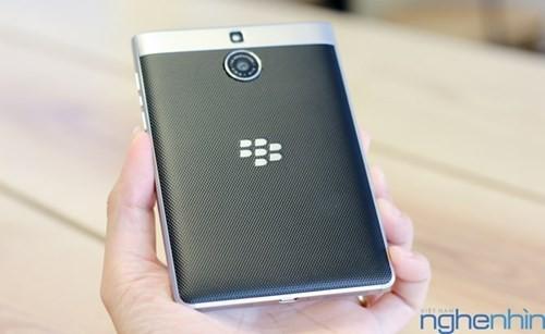 Cận cảnh điện thoại BlackBerry Passport vỏ bạc sắp về Việt Nam - ảnh 7