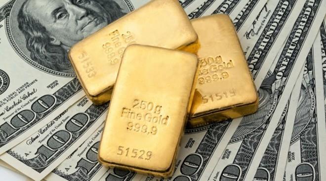 Trước năm 1934, bất cứ ai sở hữu tiền Mỹ đều có thể được đổi ngang sang vàng bằng cách đem tiền đến ngân hàng trung ương. Tuy nhiên, ngày nay, nước Mỹ đã bãi bỏ luật này. Ảnh: Dailymail.