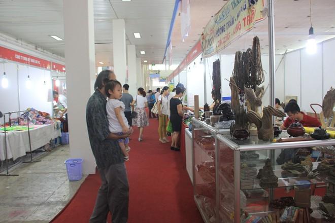 Hội chợ hàng Việt có gian hàng Trung Quốc?