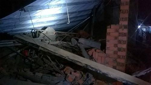 Sập nhà đang xây tại TPHCM, 11 người thương vong - ảnh 2