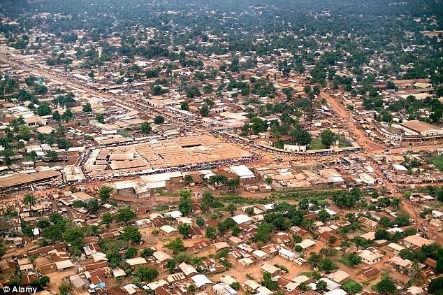 5. Cộng hòa Trung Phi (tệ nhất) Điểm số khoảng cách: 36,26 Mức thu nhập: 204,0% Tổng thuế suất: 0,0% Thu nhập bình quân đầu người: 330 USD.