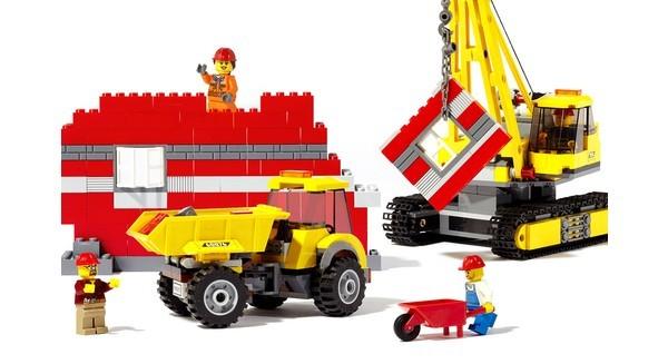 Đồ chơi Lego: Sức hấp dẫn đến kỳ lạ bất chất thời gian