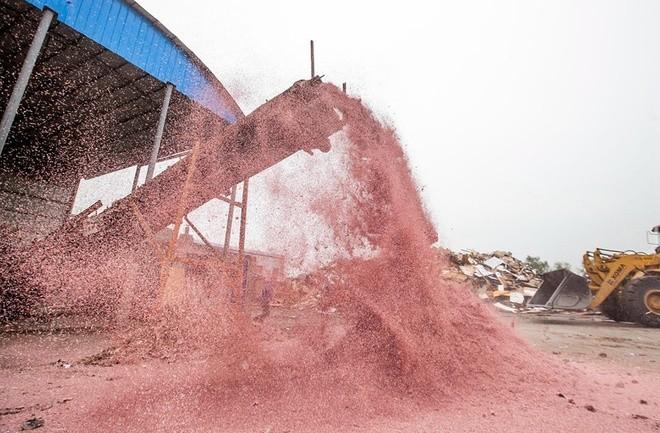 Nhà máy đốt tiền ở Trung Quốc