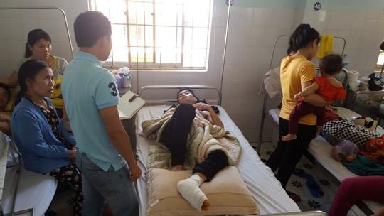Nạn nhân Nguyễn Văn Tùng đang được điều trị tại bệnh viện