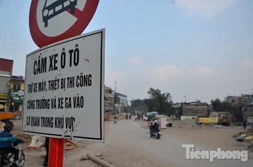 'Bão bụi' mù mịt ở con đường làm 10 năm chưa xong 570m - ảnh 15