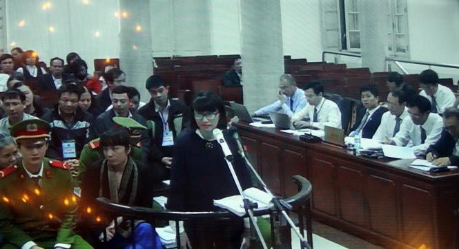 Bị cáo Nguyễn Thị Thúy Hằng (nguyên cán bộ Chi Hục hải quan Hà Tây) cho rằng bản kết luận của thanh tra là sai đối với bị cáo - Ảnh chụp màn hình